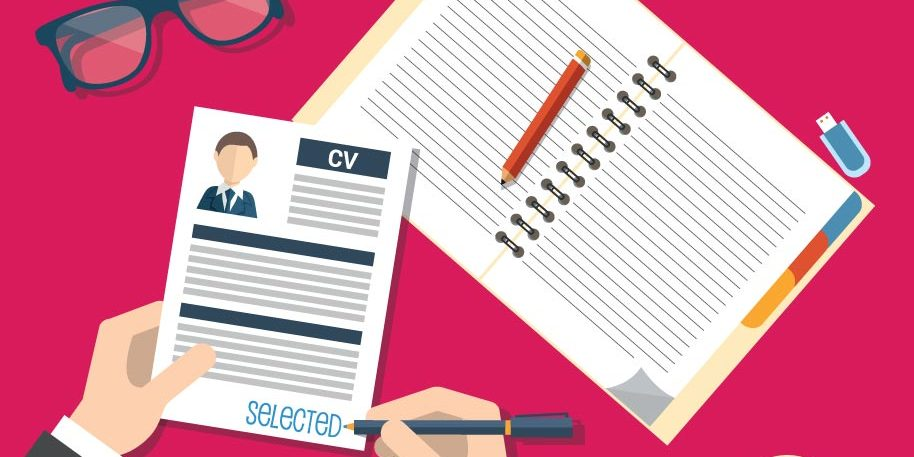 Advantages of Using a Professional Resume Writer
